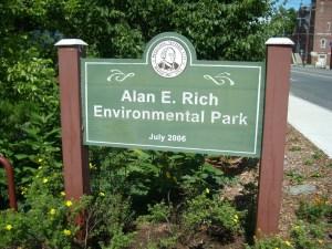 alanrich park sign